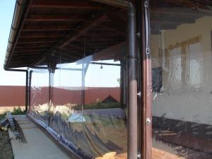 rulouri transparente plastic iuvenis bacau (2) tamplarie aluminiu si PVC cu geam termopan termopane bacau pret preturi rehau